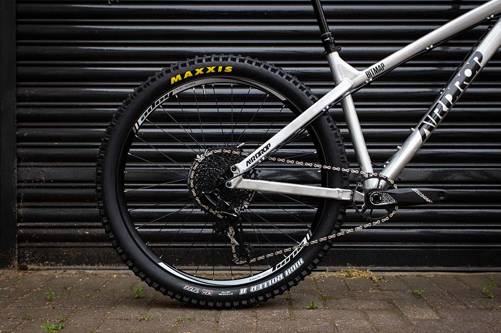 "Maxxis High Roller II 27.5x2.8"" on Airdrop Bitmap"