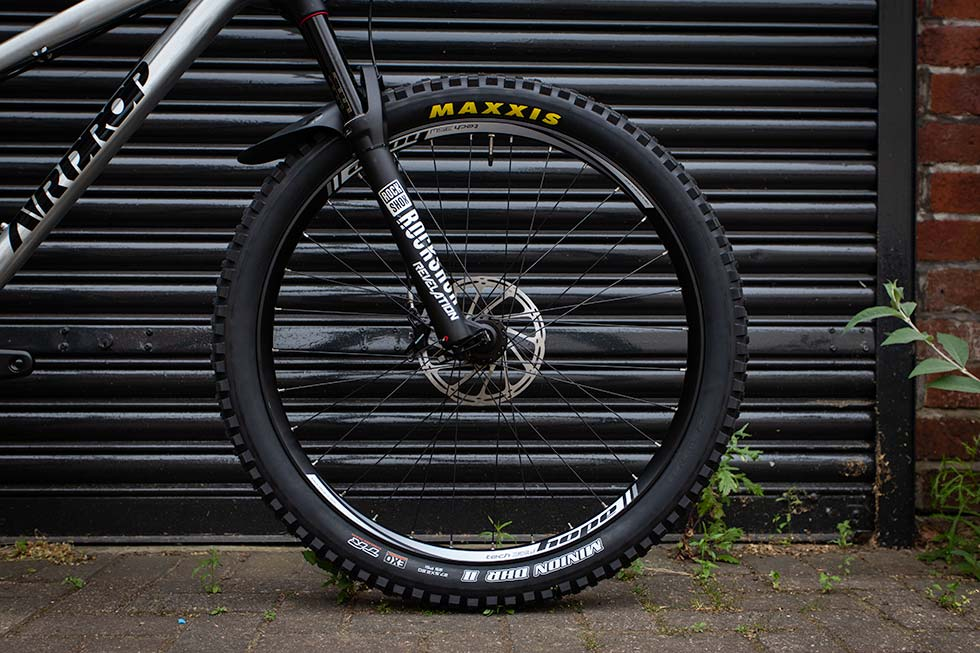 "Maxxis Minion DHF II 27.5x2.8"" on Airdrop Bitmap"