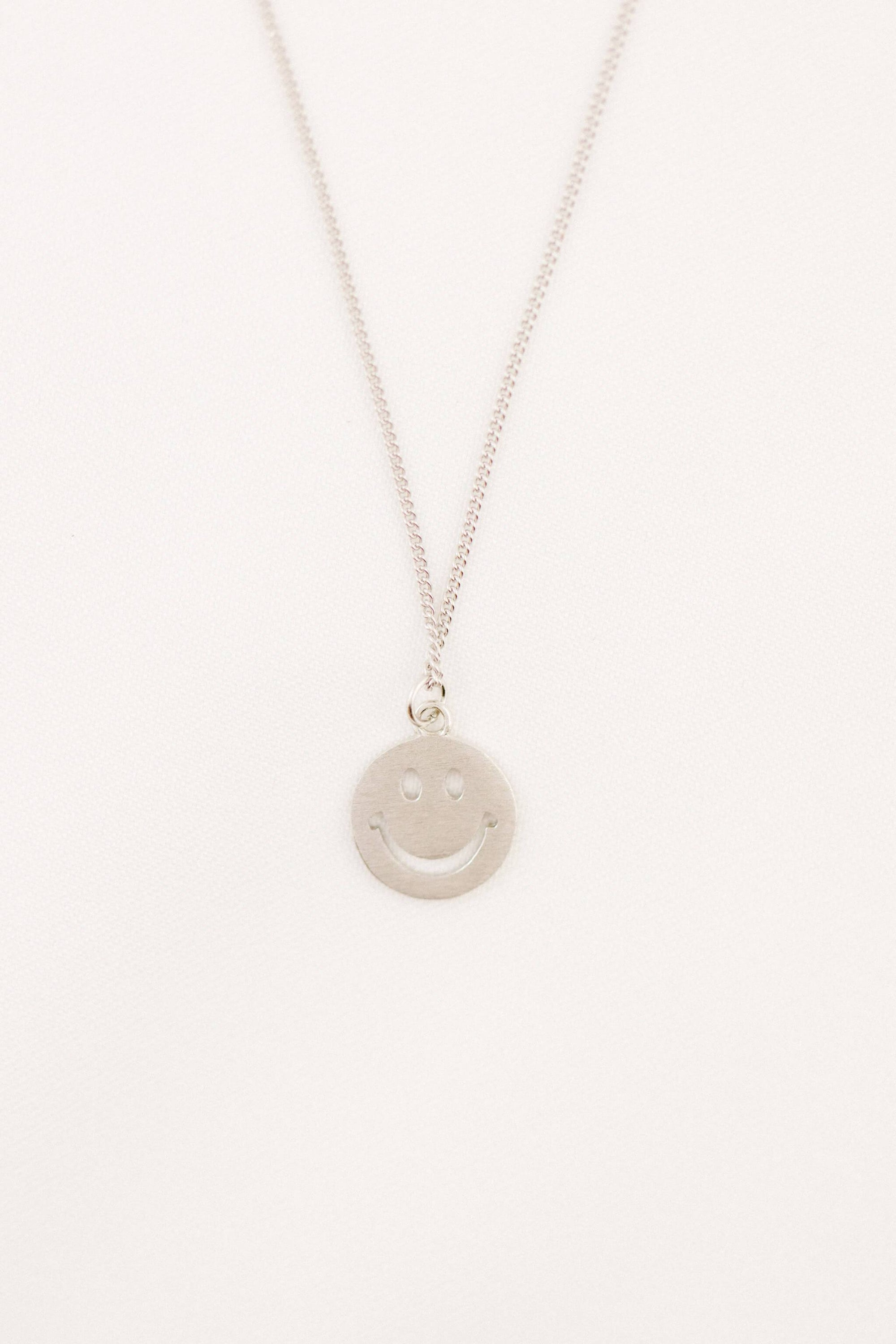 "Collier ""Smile"" Collier WOMANCE - Distribution"