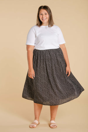Long skirt with small dots