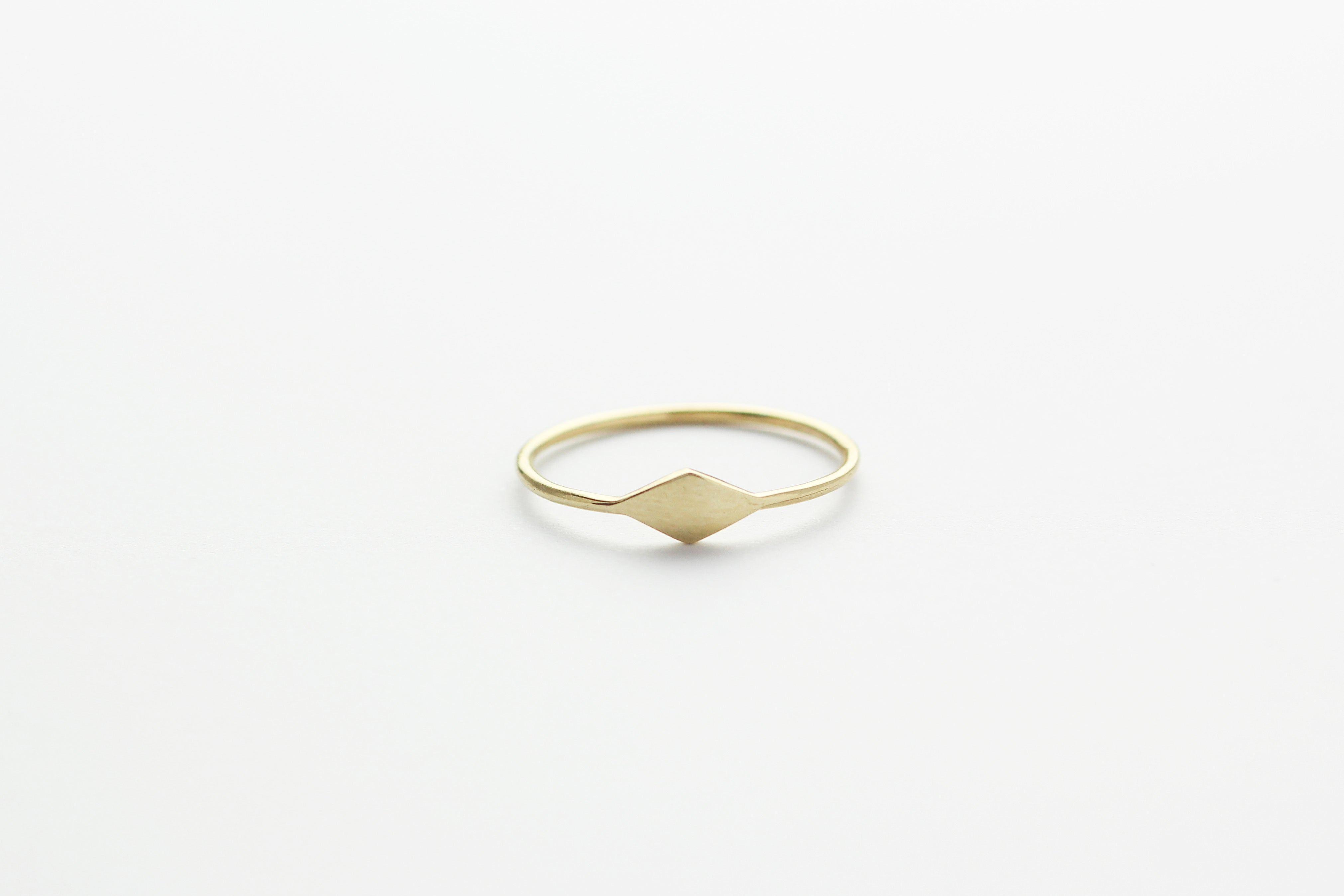 Ring TINY RHOMB Gold