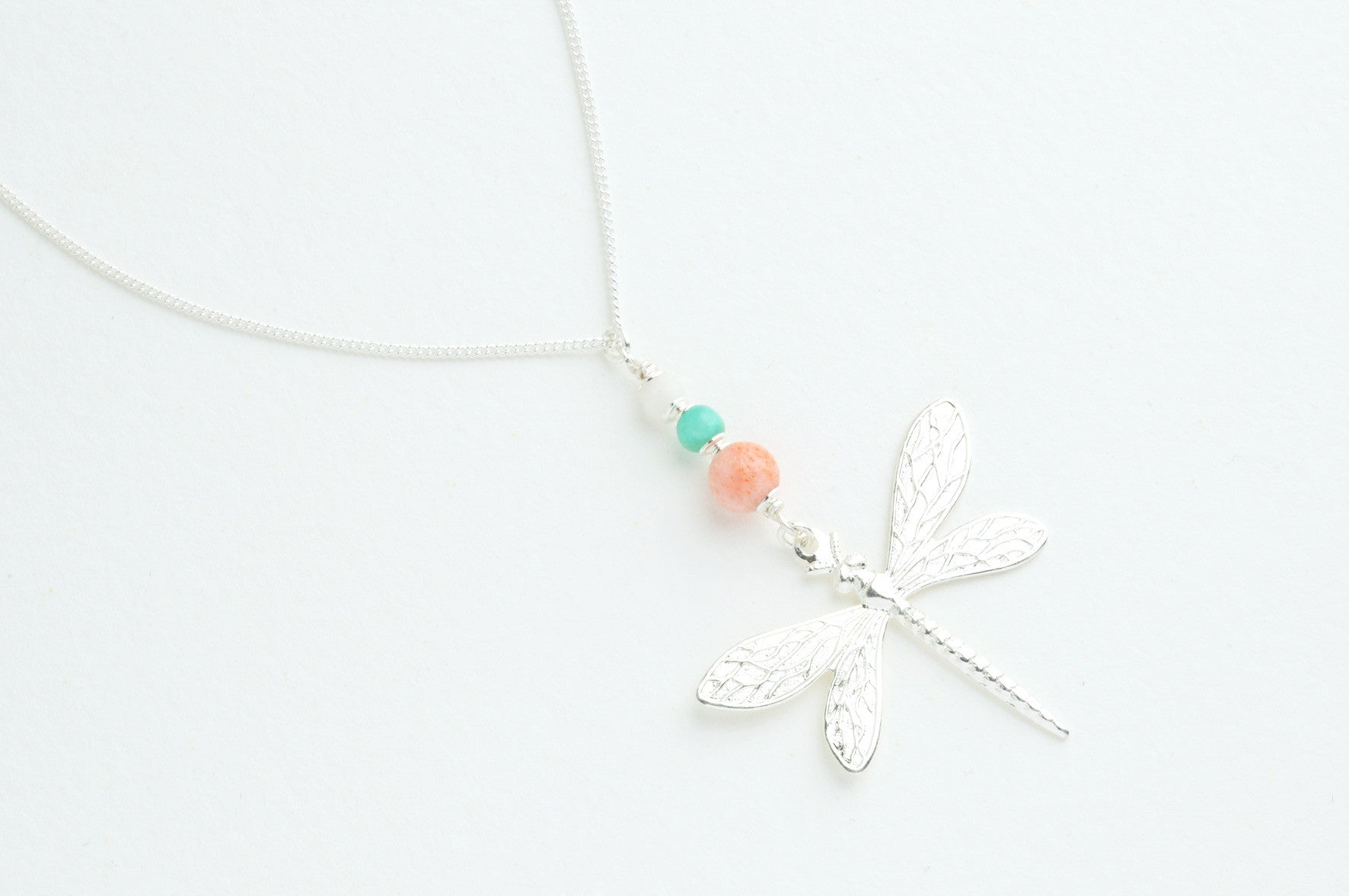 Kette THREE PEARLS DRAGONFLY versilbert