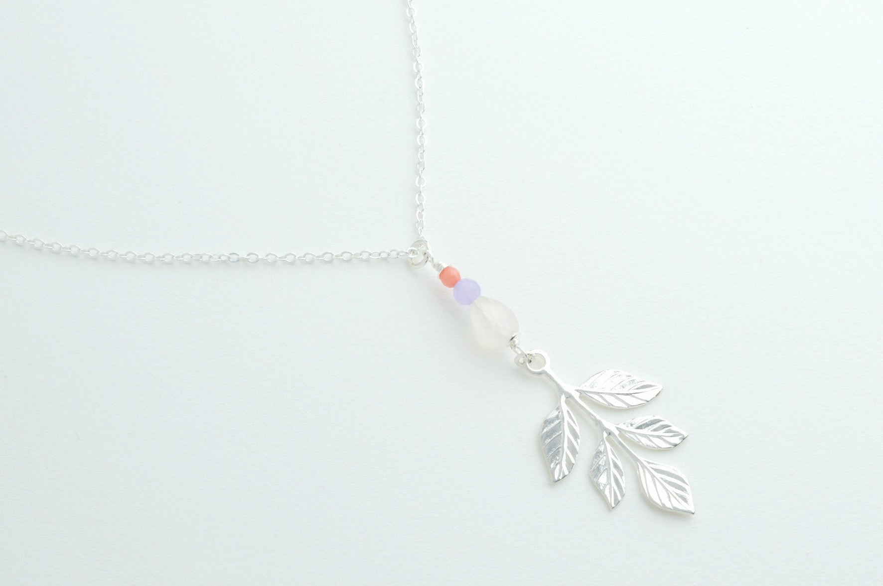 ....Kette FIVE LEAFS versilbert..Necklace FIVE LEAFS silver plated....