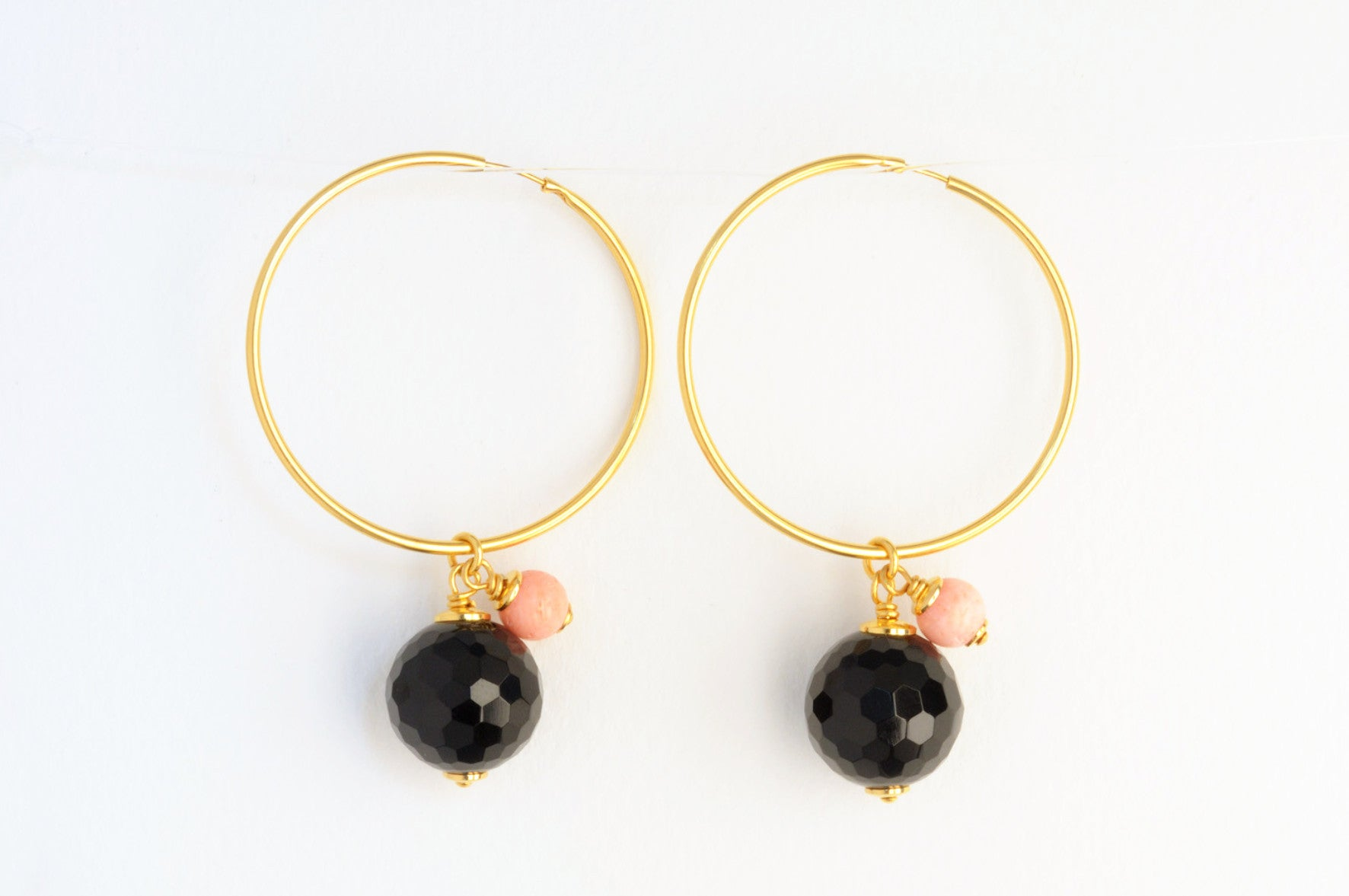 ....Ohrringe BUBBLES BLACK CORAL CREOLE large Creole vergoldet..Earrings BUBBLES BLACK CORAL CREOLE large gold plated....