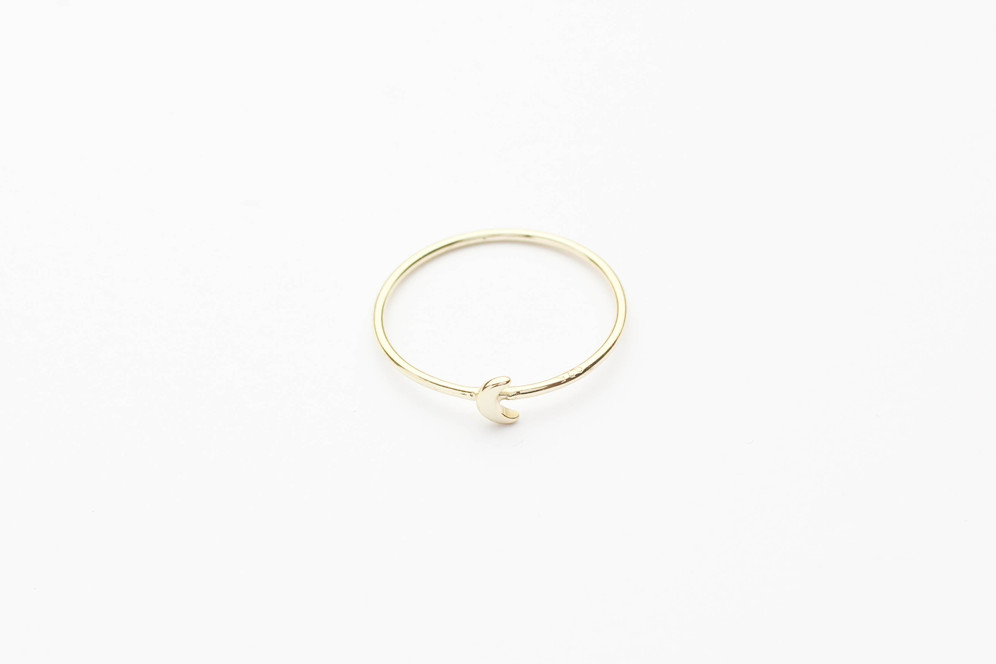 "Ring ""Tiny Moon"" gold"