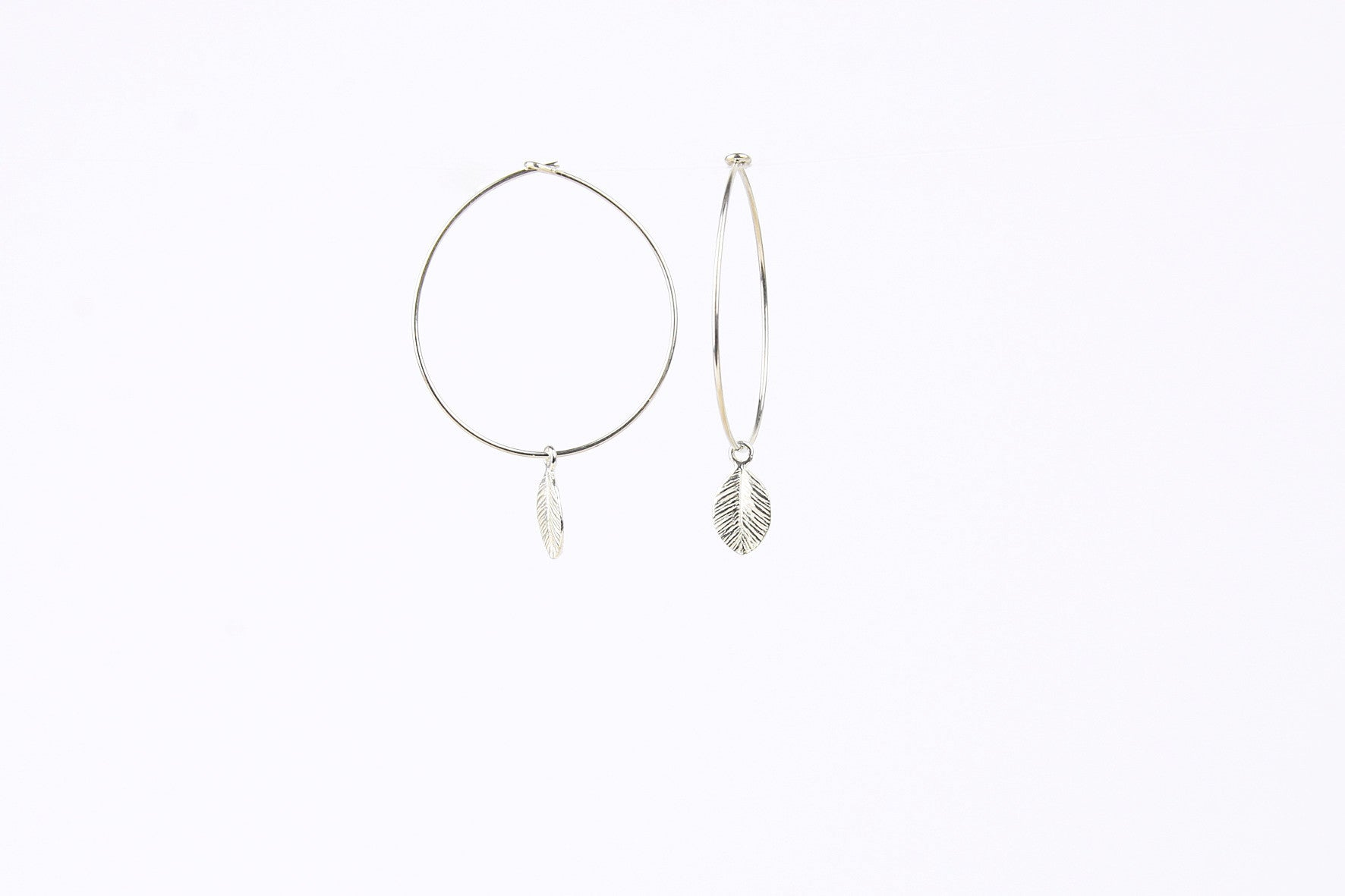 jewelberry ohrringe earrings tiny leaf hoops sterling silver fine jewelry handmade with love fairtrade