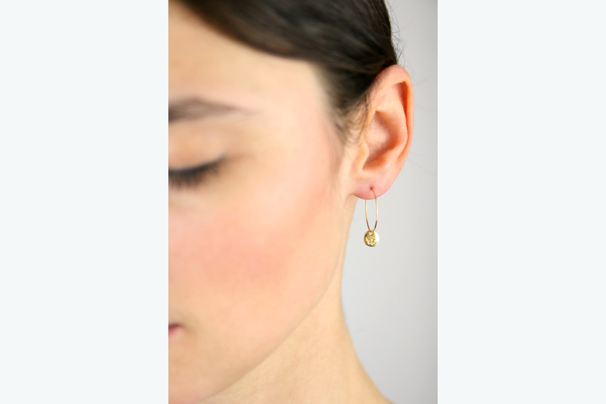jewelberry ohrringe earrings bird token hoops yellow gold plated sterling silver fine jewelry handmade with love fairtrade