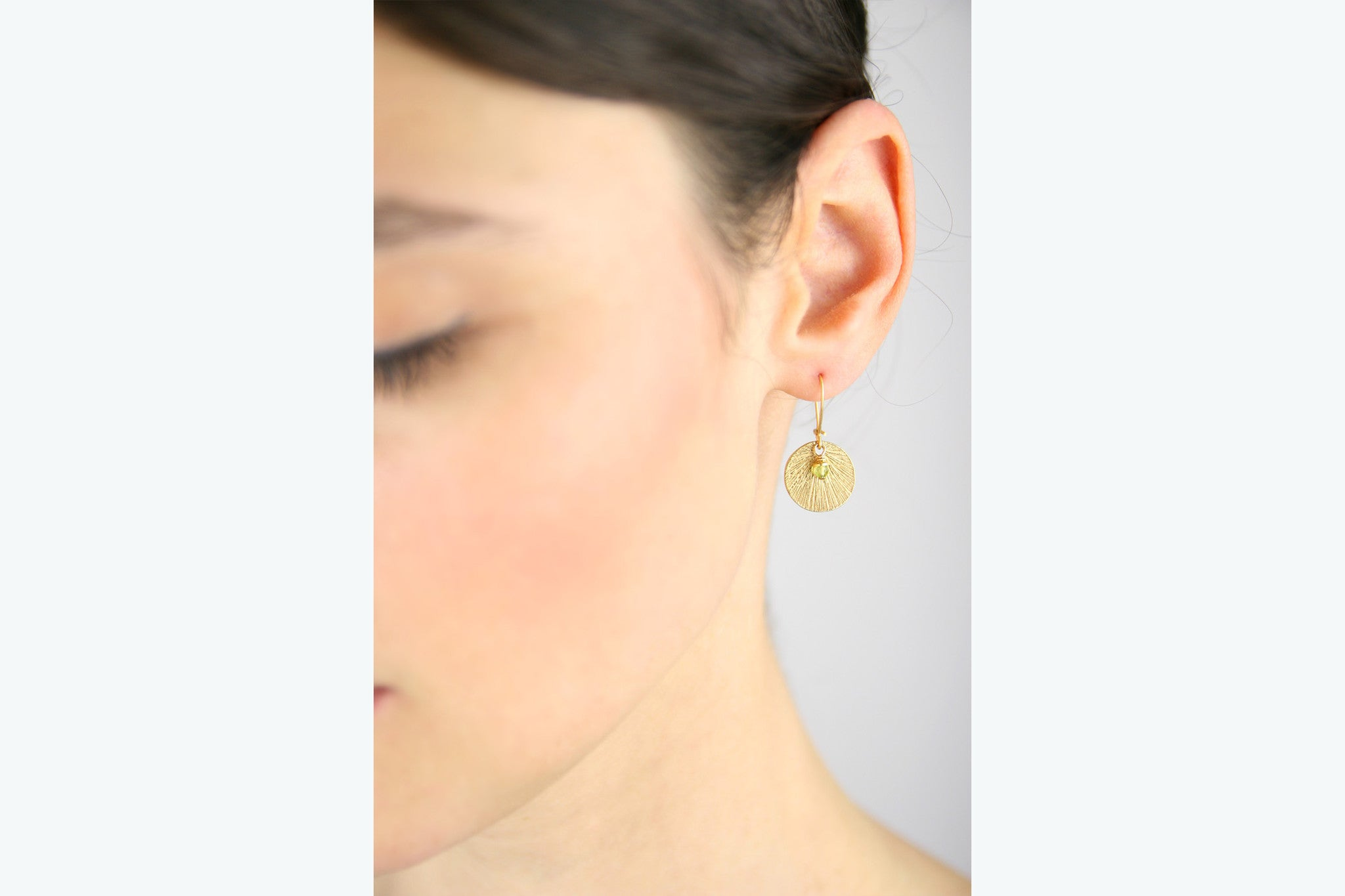 jewelberry ohrringe earrings medium shell yellow gold plated sterling silver fine jewelry handmade with love fairtrade