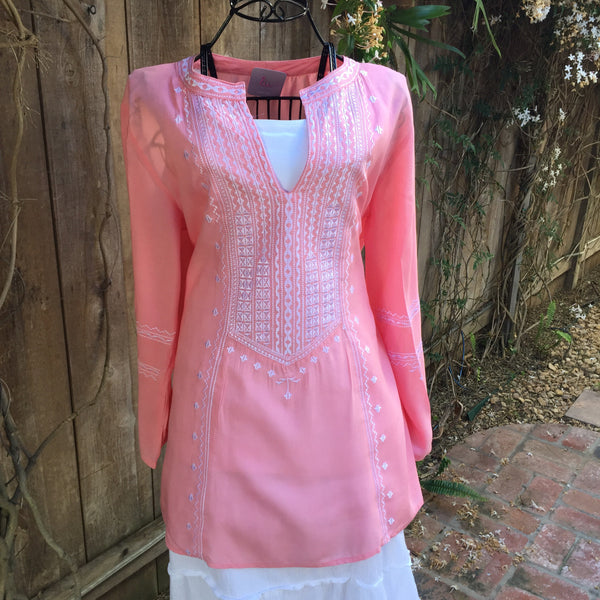 Tunic Long Sleeve Needlepoint in Pink & White