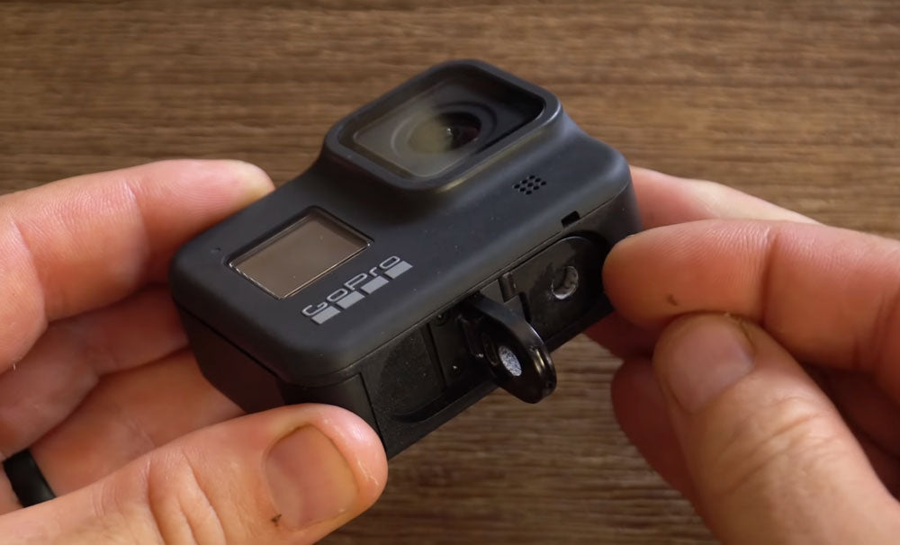 The GoPro Hero 8 Black fingers fold out from the bottom (photo by MicBergsma)