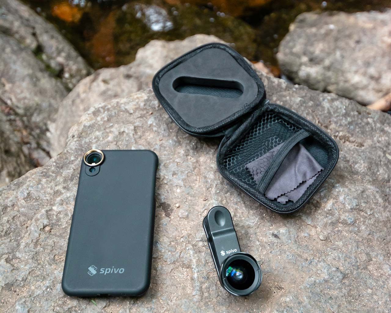 The Travel Lens comes with a universal phone clip, protective case, cleaning cloth and free iPhone case