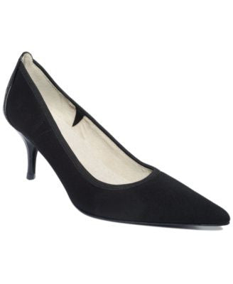 Tahari Dottie Pumps
