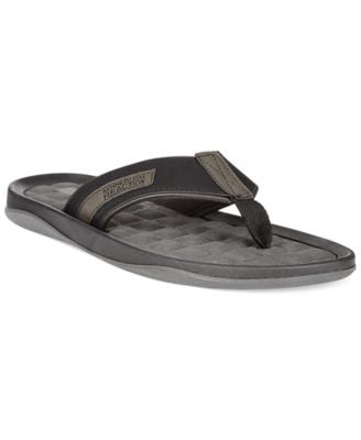 Kenneth Cole Reaction Good Four-Tune Thong Sandals