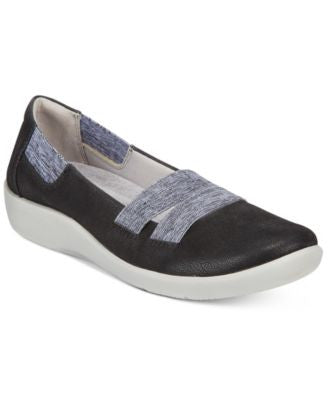 Clarks Collection Women's Cloud Steppers Sillian Rest Flats