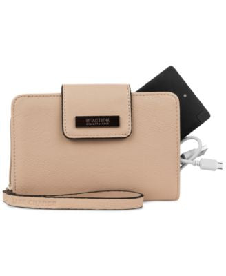 Kenneth Cole Reaction Never Let Go Tech Tab Wristlet with Charger
