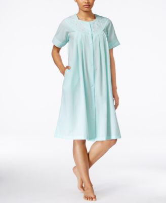 Miss Elaine Embroidered Short-Sleeve Gripper Robe