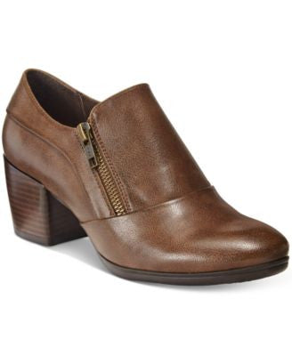 Bare Traps Kelyn Block-Heel Ankle Booties