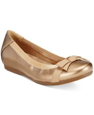 Bare Traps Maiya Hidden-Wedge Flats