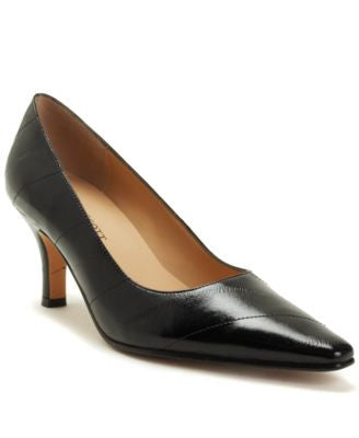Karen Scott Clancy Pumps, Only at Vogily