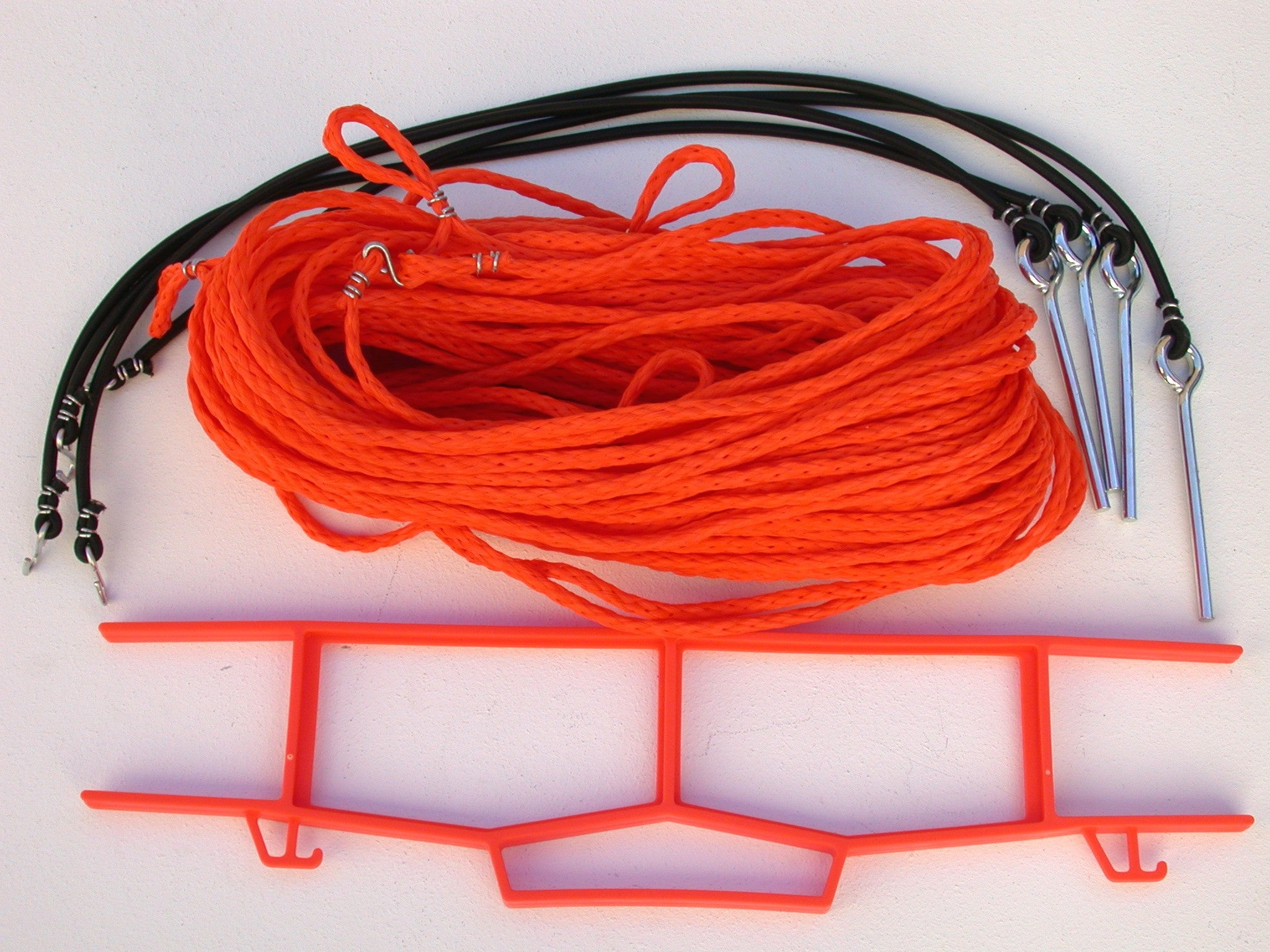 25OG-orange 1/4-inch non-adjustable rope boundary, grass pegs, storage winder