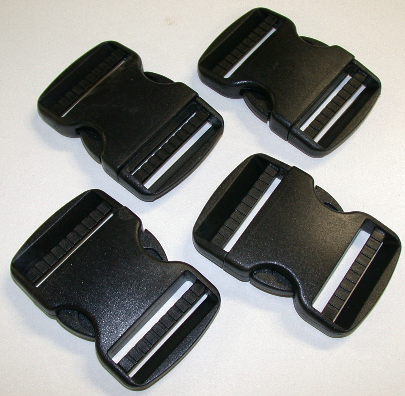 SR2- A set of 4 plastic side release buckles use on 2-inch webbing boundary kits