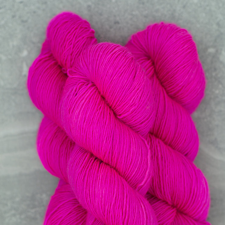 Tosh Merino Light | Fluoro Rose