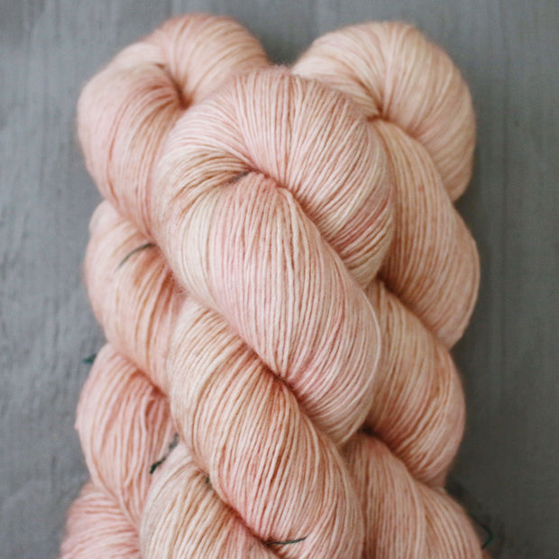 Tosh Merino Light | Heart Hands
