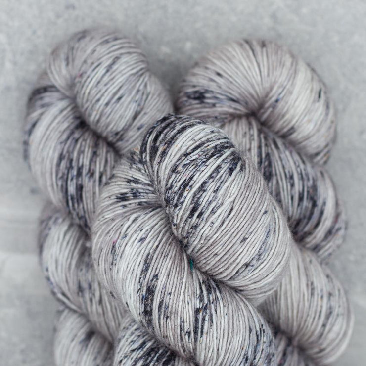 Tosh Merino Light | Smokestack / Optic