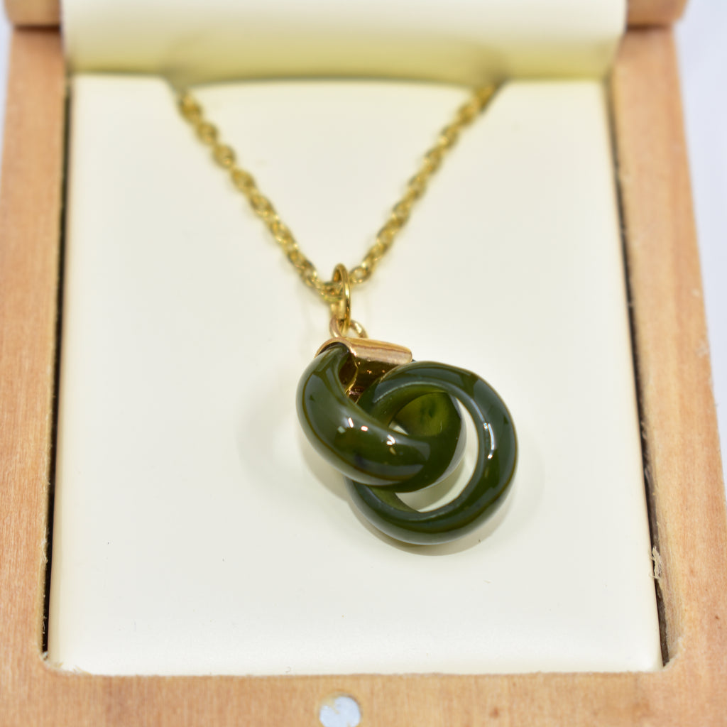 Jade necklace 碧玉项链