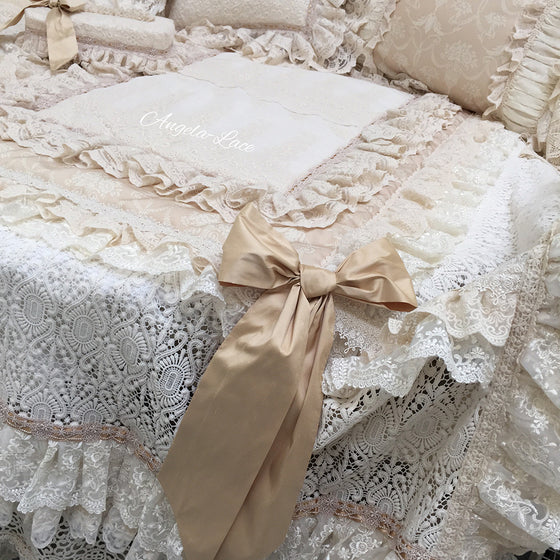 Angela Lace Golden Bedset
