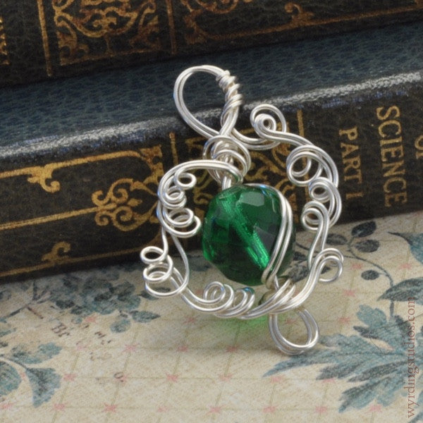 Bright Green Pendant (Magpie Rummage Sale)