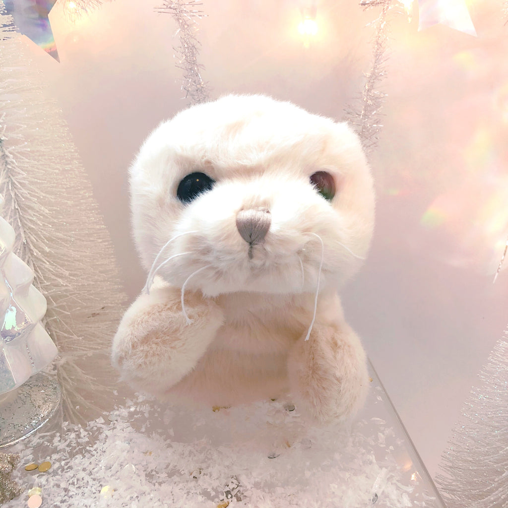 Snuggly Stuffed Seal - Arctic White