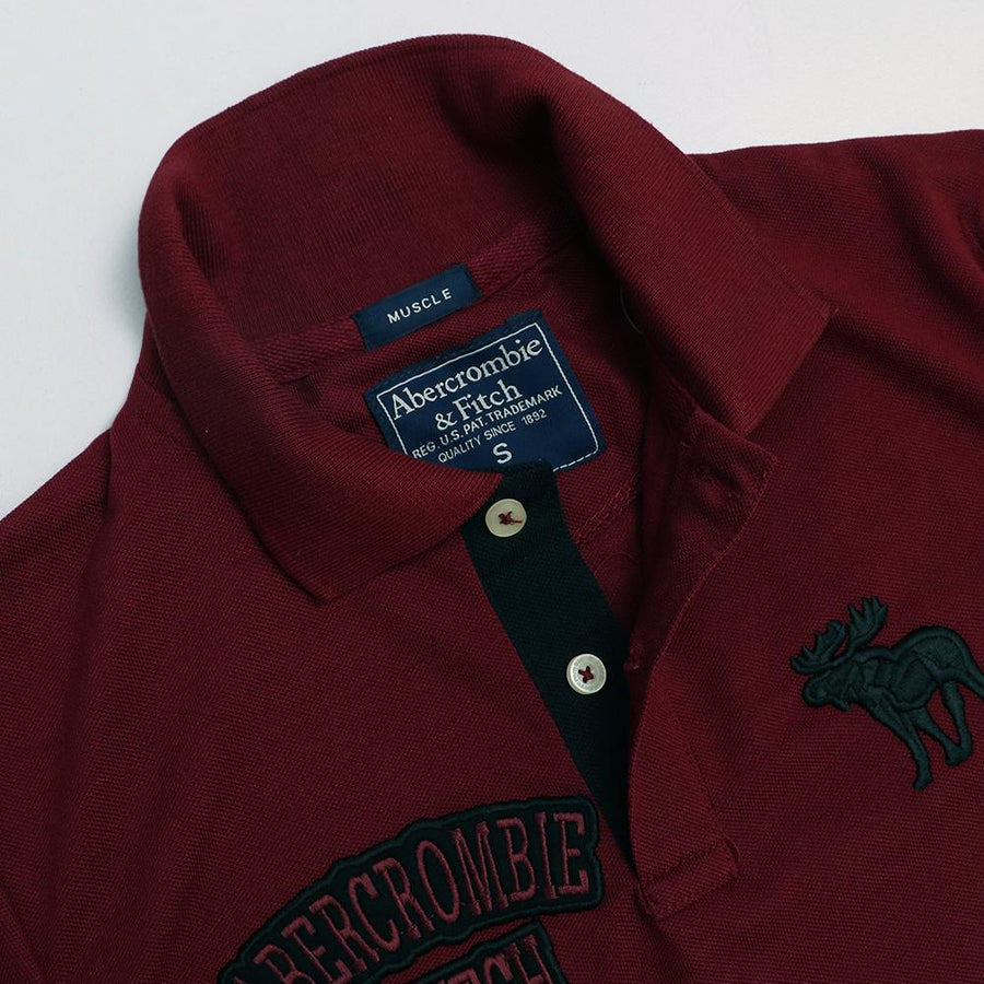 A&F double embroidered signature pique burgundy polo (1048)