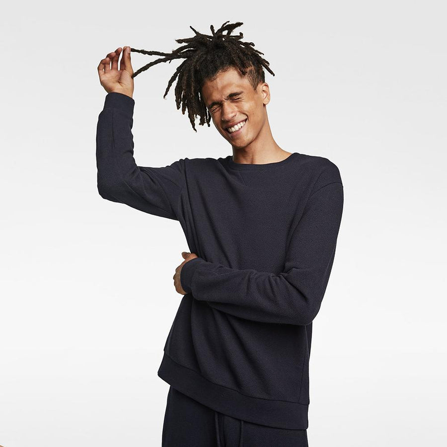 ZARA-exclusive navy basic sweatshirt