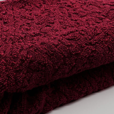 THRESHOLD-exclusive heathered paisley berry bath towel (27 X 52 Inches)