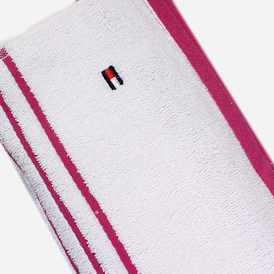 Exclusive signature bath towel (27 X 52 Inches)