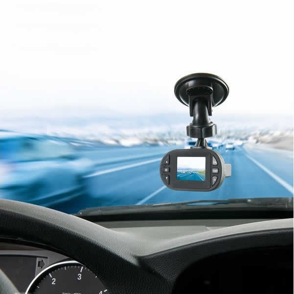 Car Dash Cam - Endless looping DVR Videos, Night Vision and G Sensor! - VistaShops - 1