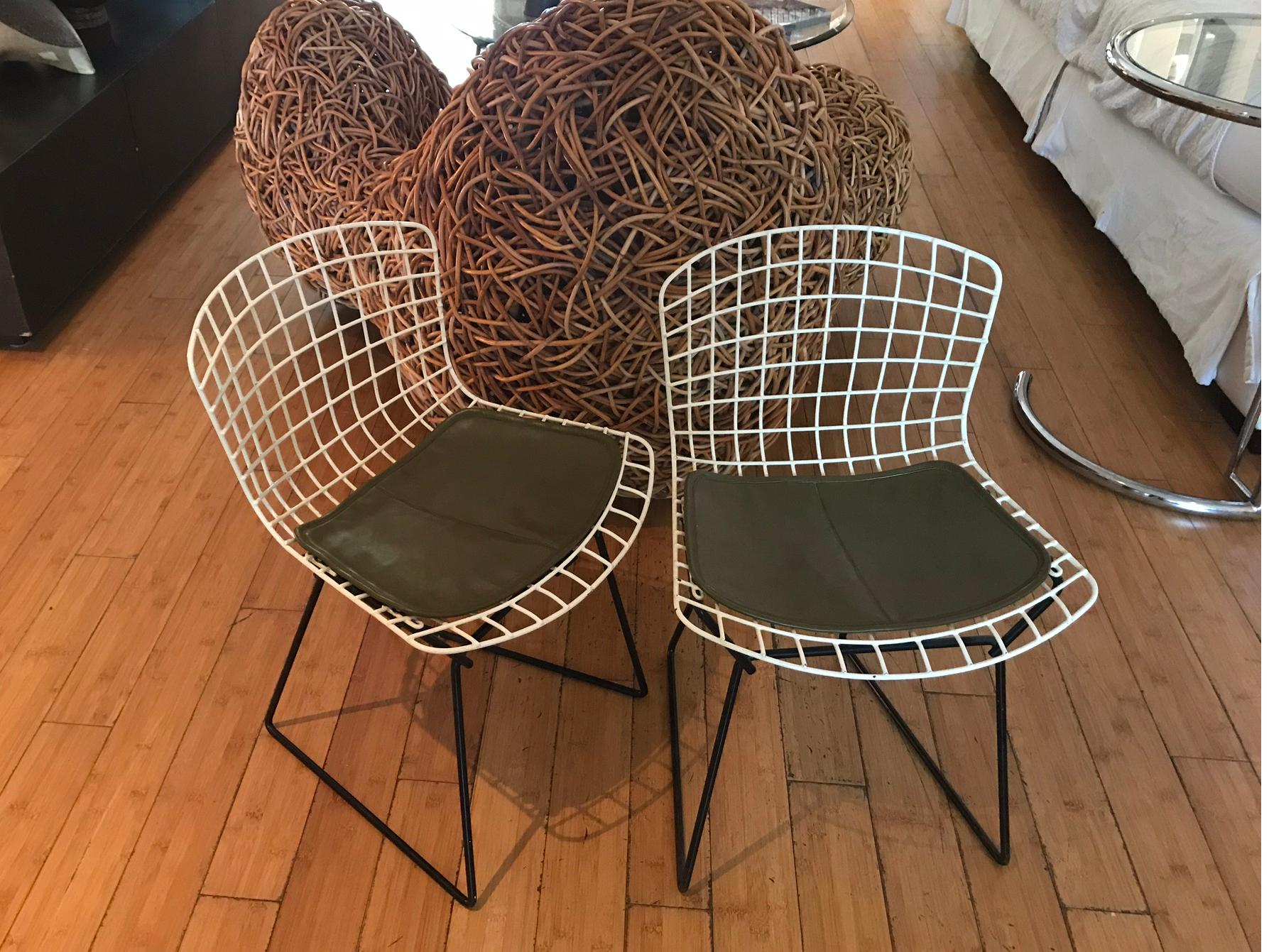 Superbe Rare Mid Century Modern Bertoia Knoll Two Tone Wire Childu0027s Youth Original  Chair U2013 A Pair
