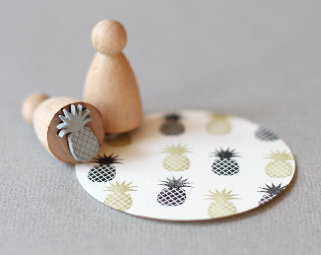 Small Pineapple Stamp