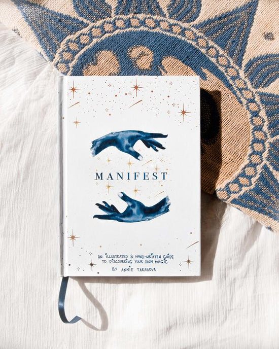 Manifest Book - Dreamy Moons