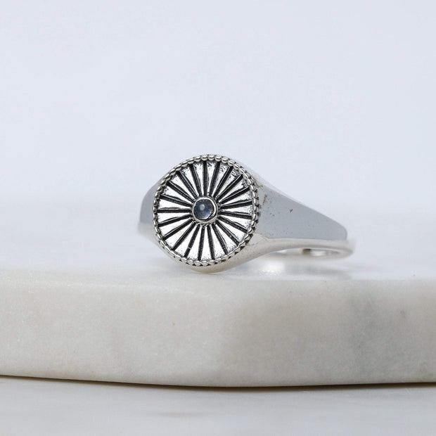 R987RM - Circulatio Moonstone Signet Ring
