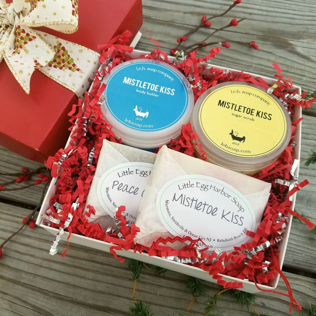 Mistletoe Kiss Gift Box - Gift Box