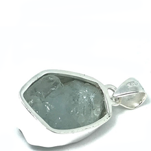 Load image into Gallery viewer, silver aquamarine stone pendant
