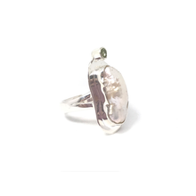 Load image into Gallery viewer, biwa peal set in sterling silver with peridot gemstone