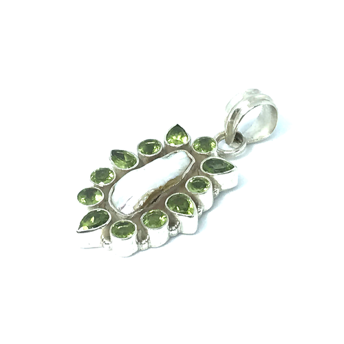Peridot Biwa Pearl Pendant Sterling Silver - Stoned Hilda Discover the soul of Gemstones