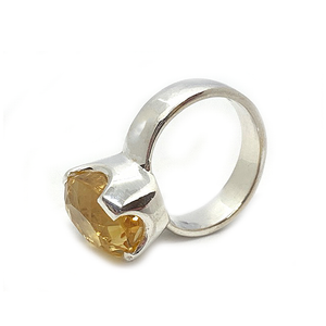 oval citrine gemstone sterling silver ring