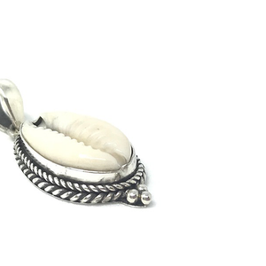 cowrie shell gypsy style silver pendant