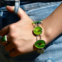 Load image into Gallery viewer, dichroic glass bracelet