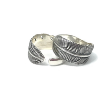 Load image into Gallery viewer, gypsy style feather boho ring