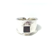 Load image into Gallery viewer, Garnet Hammered Silver Gemstone Ring
